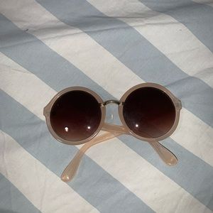 Pink sun glasses